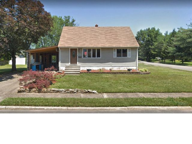 3 BR,  1.50 BTH  Cape style home in Little Falls